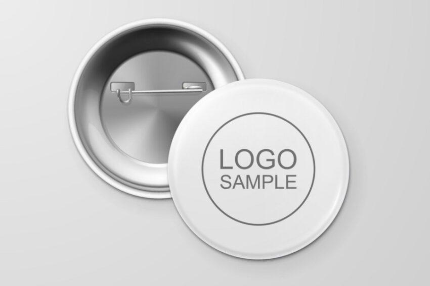 przypinki z logo